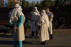 4 udklædte i dragter som på Jesu tid