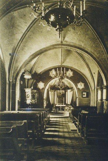 Kirken indefra 1890