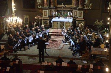 Der Kreisposaunenchor begeistert mit guter Musik