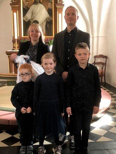 Dåbsbarnet Leander Kjeldbjerg Rank og hans familie.