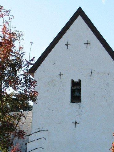 Vinduerne i kirken har fulgt tidens mode