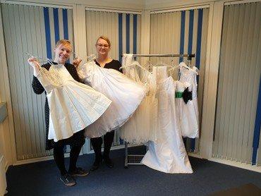 Donerede konfirmations kjoler