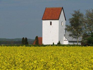 Kirken har navnet Skt. Karens Kirke