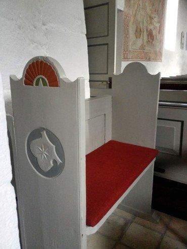 Fra det første stoleværk, som blev indsat efter reformationen, er kun to tilbage.