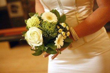 Kvinde med brudebuket