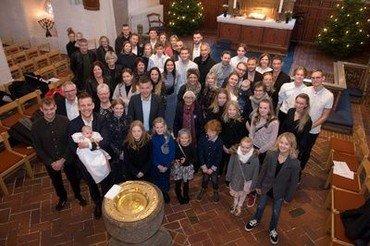 En stor dåbsfamilie i Dalum Kirke