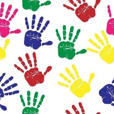 Håndaftryk i røde, grønne, blå, gule og lyserøde farver