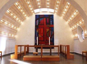 Virum Kirkes kor og alter