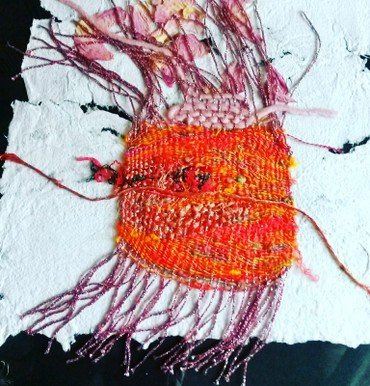 Billede af kunstværk. Vævet papircollage.