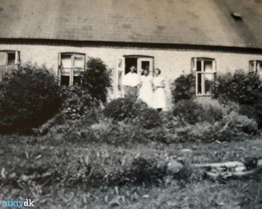 1940erne. - Sommer i Haven. Personerne ukendte.