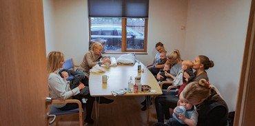 Kaffe hygge efter Babysalmesang
