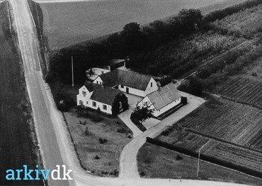 Luftfoto fra o. 1975.