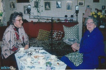 Margrethe sammen med Dea Larsen.