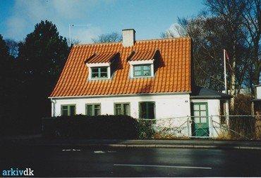 Den gamle central, Ved Kirken 11, 1995.