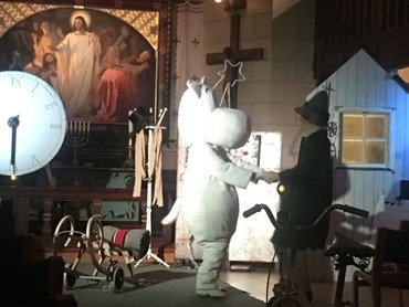 Mumitrolden besøger kirken i Sct. Lukas Kirkes adventskalender 2020.