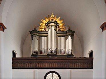 Kirkens orgel, bygget af P.G. Andersen i 1978