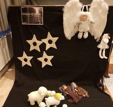 Engle, stjerner og hyrderne på marken