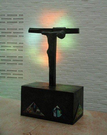 Korset på alteret i Vejleå Kirke
