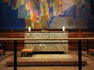 Det nye alter i Lindevang kirke