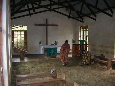 Foto: Kirken set indefra i 2012 før ombygningen.