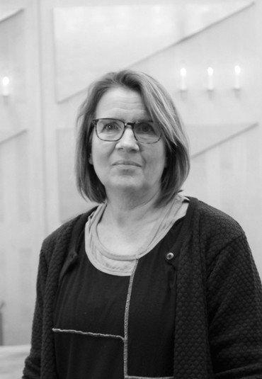 Foto af organist Lisbeth Iversen