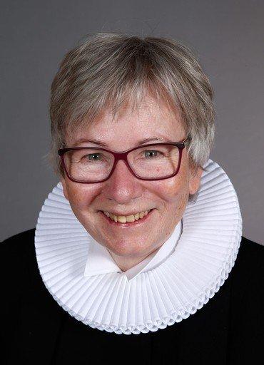 Læs om sognepræst Birgitte Poulsen går på pension / Foto af sognepræst Birgitte Poulsen
